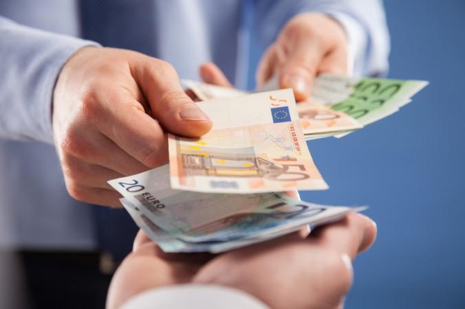 Bei einem privaten Darlehensvertrag ist es möglich, mit und ohne Kündigung zu arbeiten. (#6)
