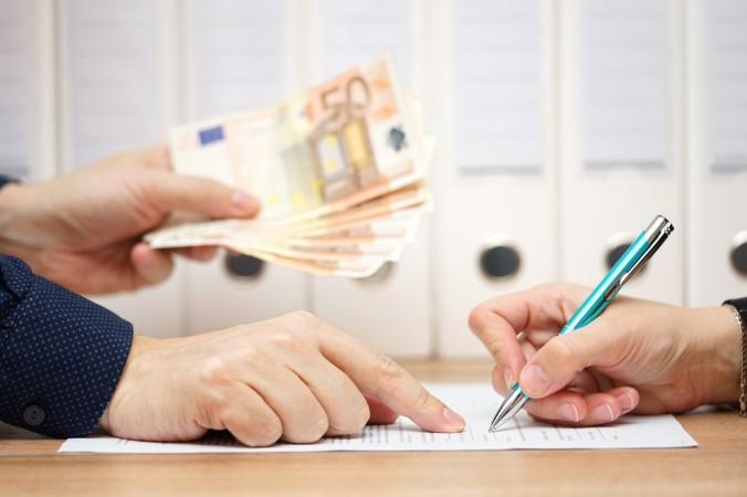 Vor jedem privaten Darlehen sollte ein Darlehensvertrag unterzeichnet sein. Im Zweifel hilft ihnen dabei ein Muster. (#5)