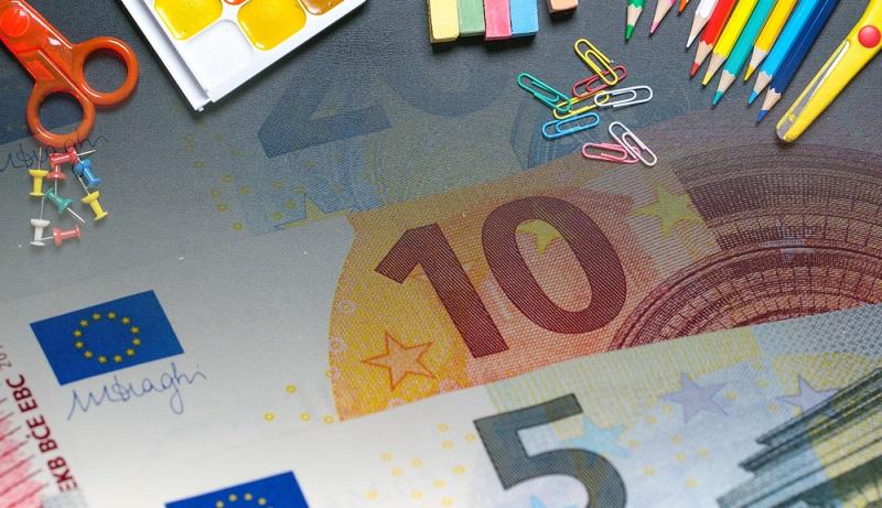 Ein BaföG Kredit ist eine staatliche Bildungsförderung, die zeitlich befristet ist. Die Förderung wird in Form eines zinsgünstigen Kredits an diverse Personengruppen vergeben. (#01)