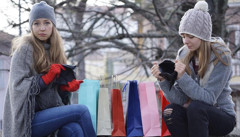 Leider müssen sich allzu oft die Damen dieser Welt den Schuh anziehen: Sie geben beim Shopping zu viel Geld aus!