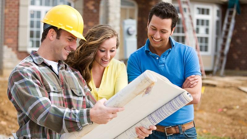 Vor der Entscheidung für ein Bauunternehmen steht eine gründliche <strong>Prüfung der Baufirma</strong> an. Bewertungen ermöglichen eine grobe Einschätzung. ( Foto: Shutterstock- Sean Locke Photography )