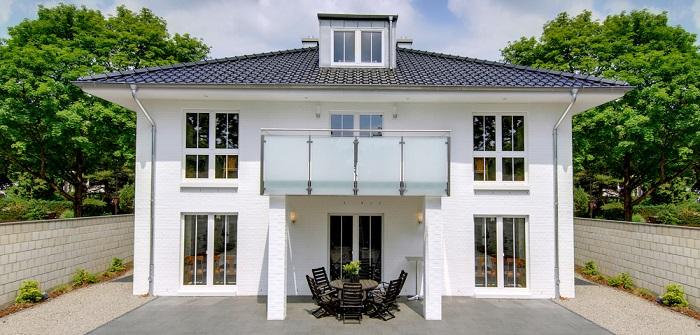 Fertighaus: 11 echte Tipps zur Baufinanzierung ( Foto: Shuttertock-_Frank Oppermann )