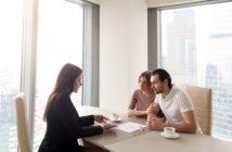 KfW Förderung Neubau: mit staatlicher Finanzierung zum Traumhaus ( Foto: Shutterstock- fizkes)