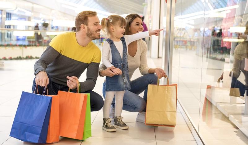 Die fünfköpfige Familie aber kauft wöchentlich für 200 Euro Lebensmittel ein, dazu kommen noch Benzin und Versicherungen, die Raten für den Hauskredit sowie weitere Fixkosten.  ( Foto: Shutterstock-Drpixel )